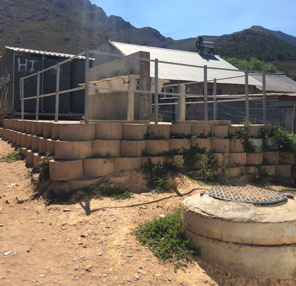 A public ablution block, installed and owned by the municipality. Copyright: Lauren Hermanus.