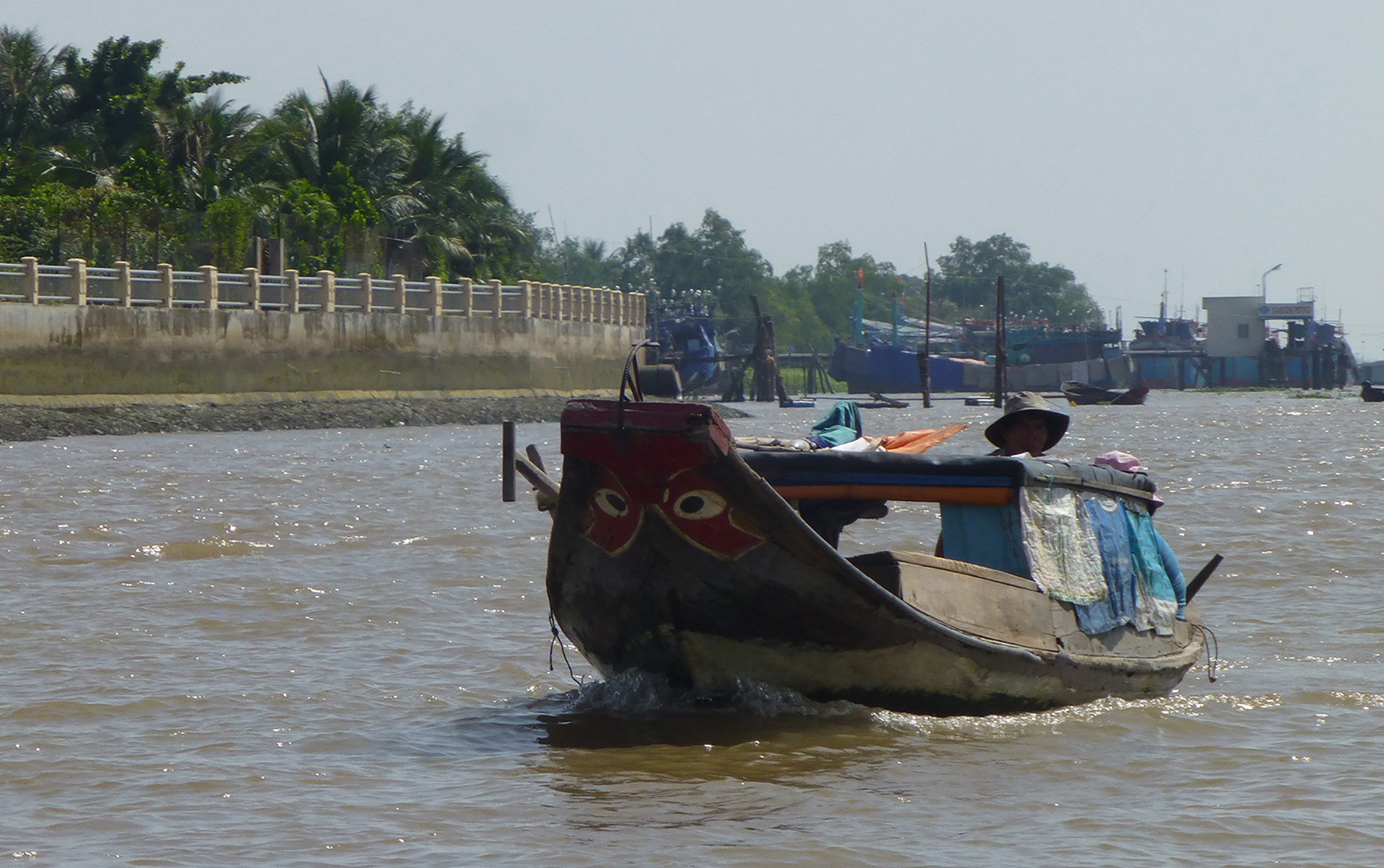 Mekong eyes painted on a boat. Copyright: Erica Gies.