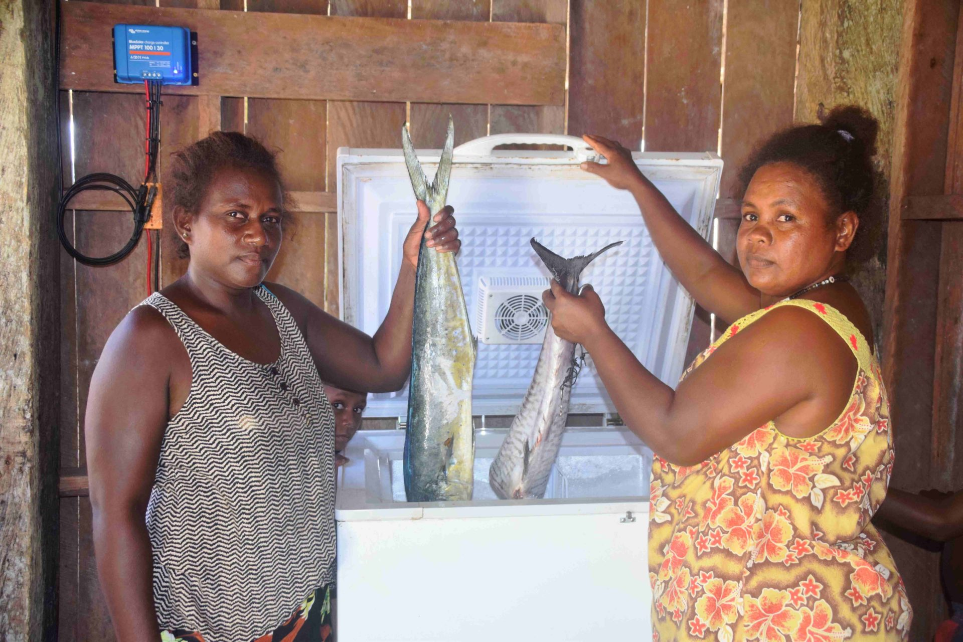 cover-for-solomon-islands-story-photo-by-tessa-minter-2018-solar-freezer-surairo-wara-women-group